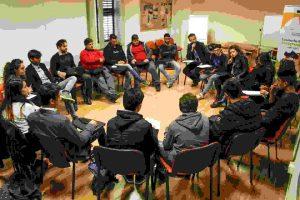 La scuola è un luogo pieno di sorprese: Conversazione con gli studenti del progetto CARMA
