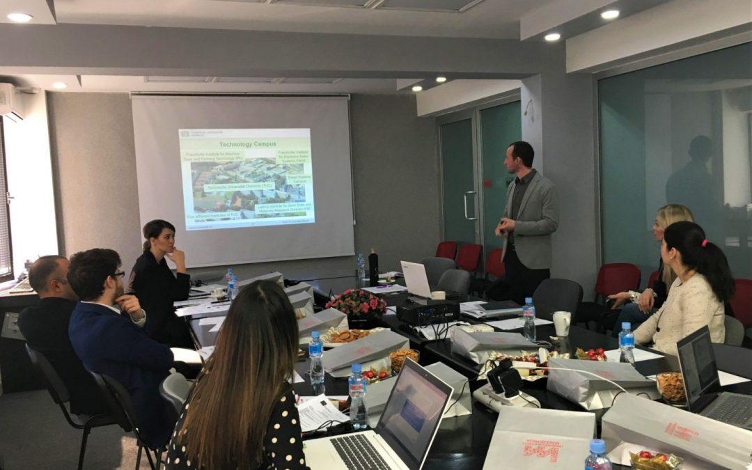 DiMenSion: Marketing management per creare imprese sostenibili