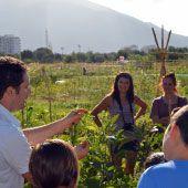 PLACE: attivit� educative e orticultura in Cina, India e Nepal