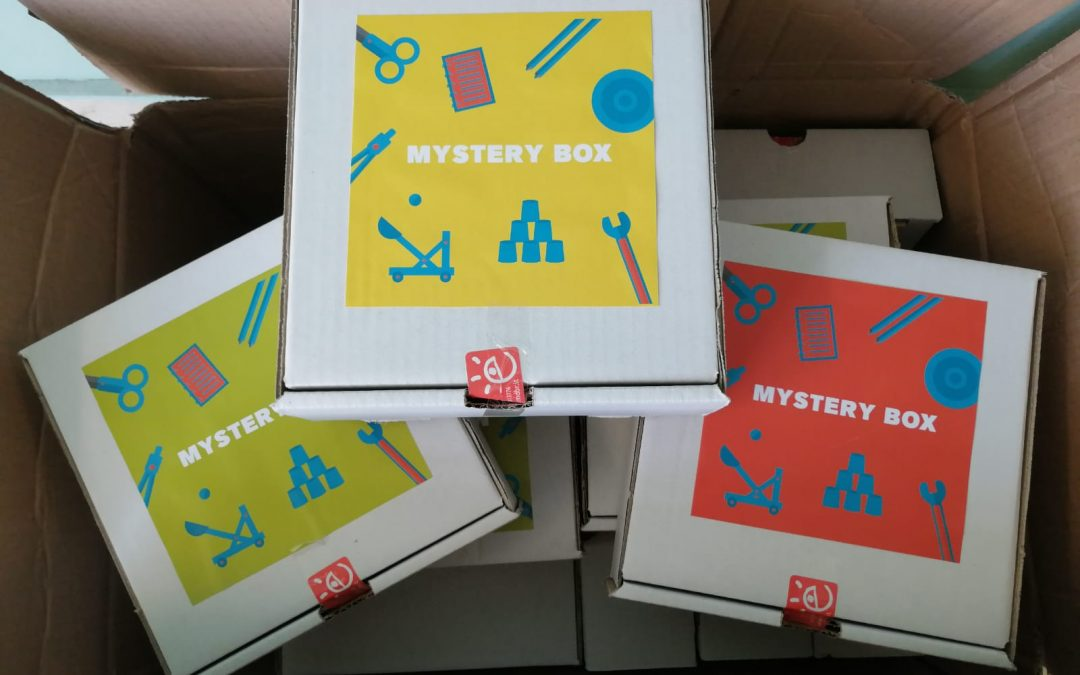 STEM*Lab: Sperimentiamo insieme con le Mystery Box