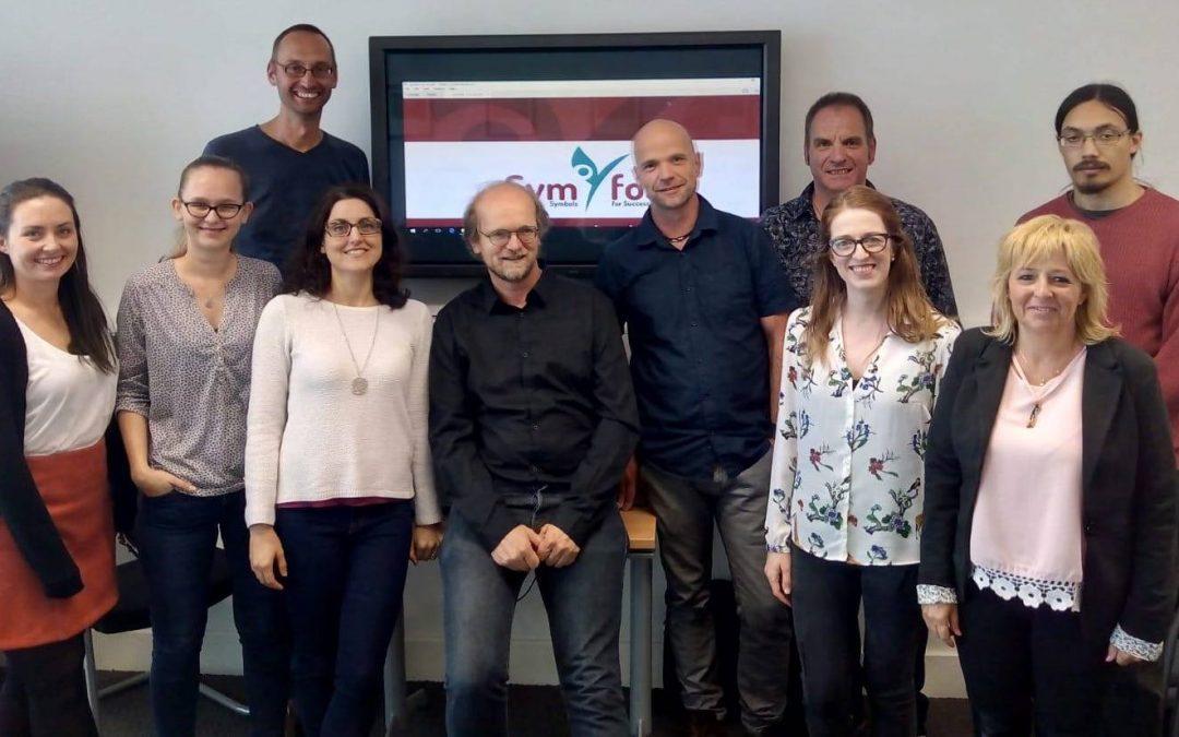 Apprendimento individuale e supporto tra pari nell'orientamento alla carriera con SymfoS