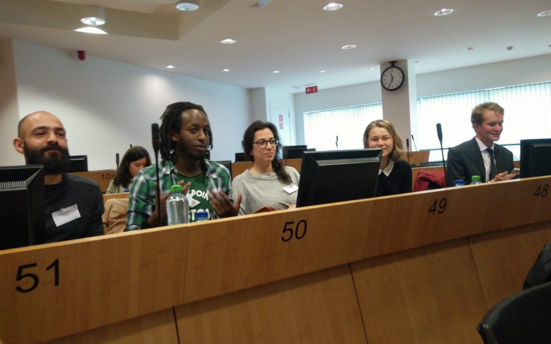 Strumenti digitali per promuovere il coinvolgimento giovanile nelle politiche europee: il dibattito è ancora aperto!